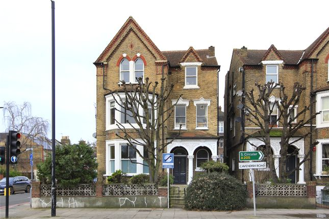Flat for sale in Cavendish Road, Clapham South, London