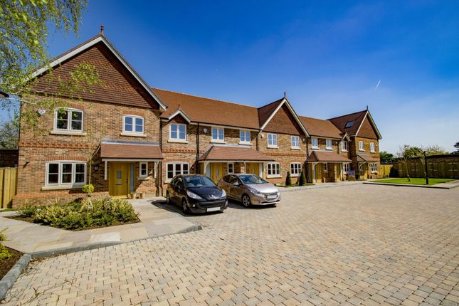 Thumbnail Mews house for sale in Gatehampton Road, Goring On Thames
