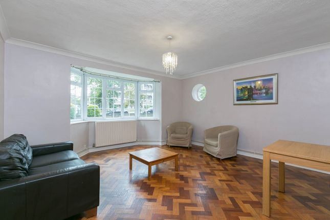 Flat to rent in West Hill, London