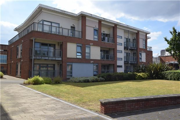 2 bed flat for sale in Horizon, Broad Weir, Bristol