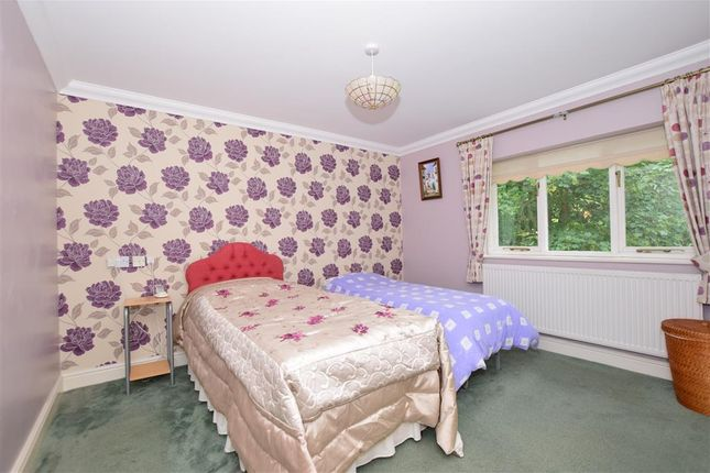 Bedroom 1 of Tanners Hill, Hythe, Kent CT21