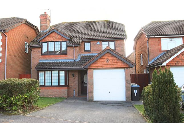 Thumbnail Detached house to rent in Caister Close, Hemel Hempstead