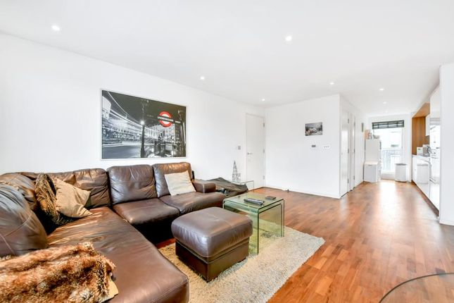 Thumbnail Flat for sale in Balham Grove, London