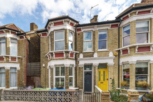 3 bed flat for sale in Muschamp Road, Peckham Rye, London SE15