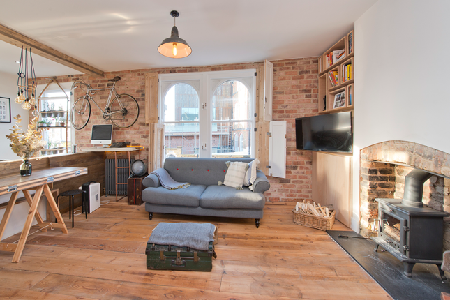 1 bed flat for sale in Maxted Road, Peckham