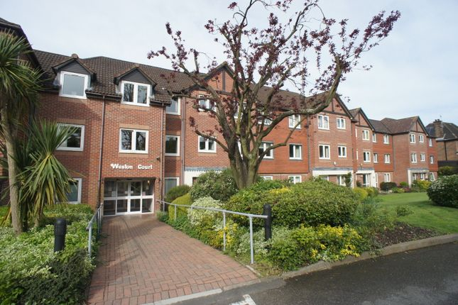Thumbnail Flat for sale in Farnham Close, Whetstone, London