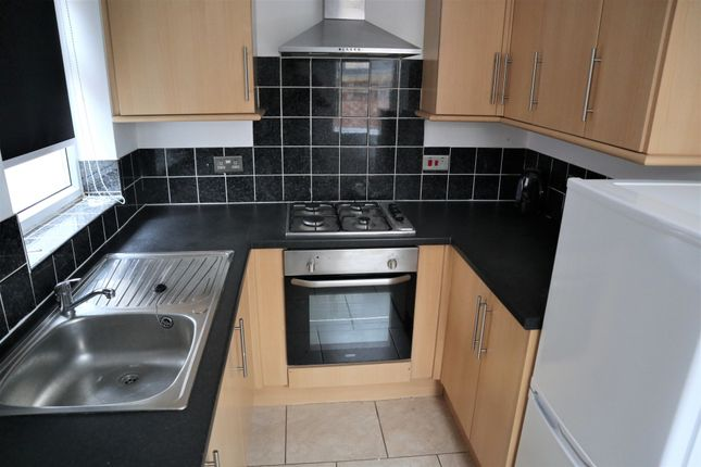 Thumbnail Flat to rent in Coltman Street, Hull