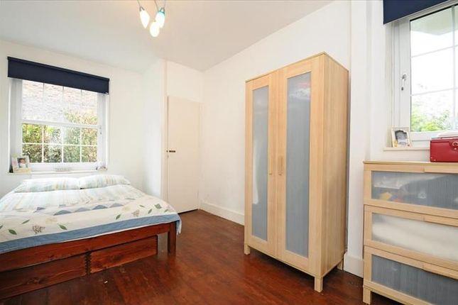 Thumbnail Flat to rent in Orsett Street, London