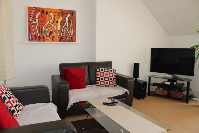 Barn conversion to rent in Church Crescent, Muswell Hill