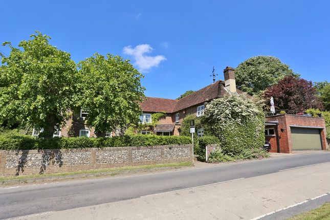 Thumbnail Detached house for sale in Beeches Hill, Bishops Waltham, Southampton