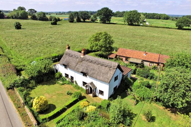 Thumbnail Cottage for sale in Rectory Road, Weston Longville, Norwich
