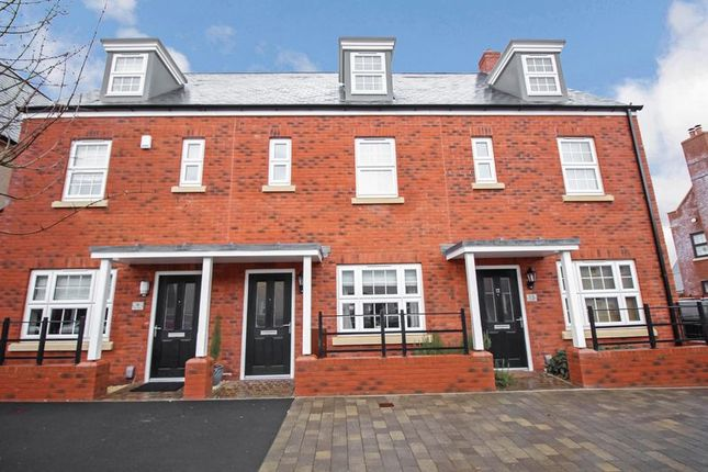 Thumbnail Semi-detached house to rent in Smiths Court, Willeys Avenue, St. Thomas, Exeter