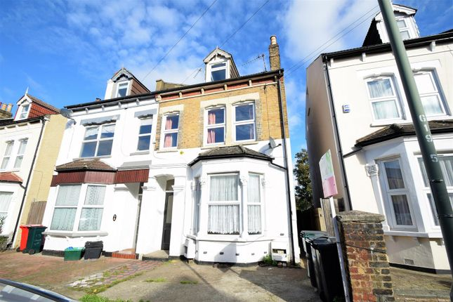 Thumbnail Flat for sale in Genoa Road, London