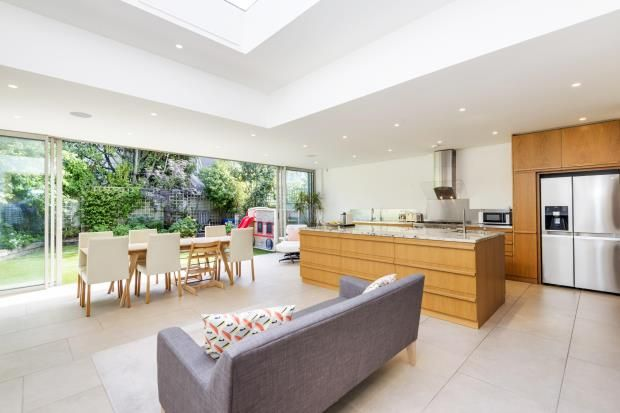 Thumbnail Terraced house for sale in Highgate Hill, Highgate Village, London