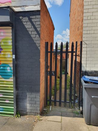 Thumbnail Flat to rent in Green Lane, Small Heat