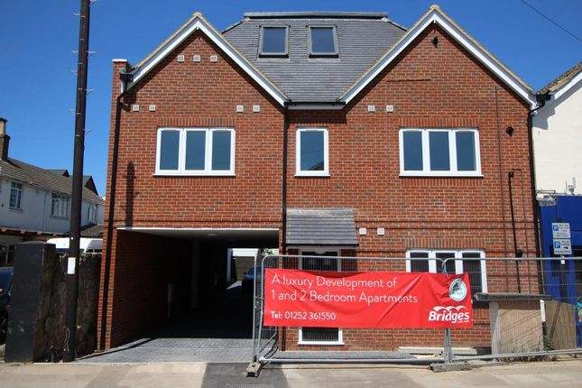 Thumbnail Flat for sale in Queens Road, Farnborough