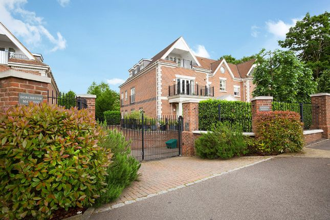 Thumbnail Flat for sale in Ascot, Berks