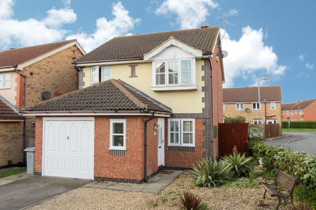 Thumbnail Detached house to rent in Wakes Close, Bourne