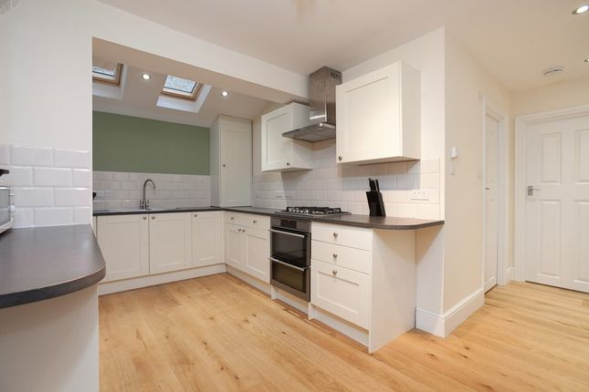 Thumbnail Flat to rent in Vardens Road, London
