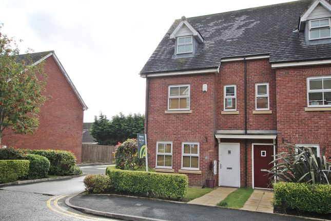 Thumbnail Town house for sale in Holywell Drive, Warrington
