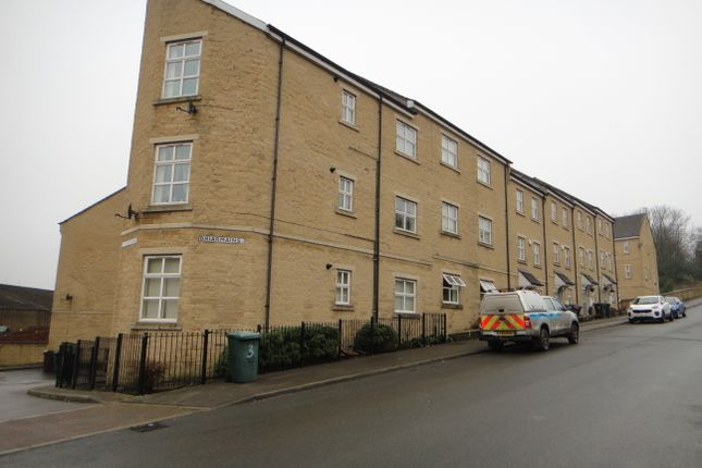 Thumbnail Flat to rent in Briarmains, Bradford
