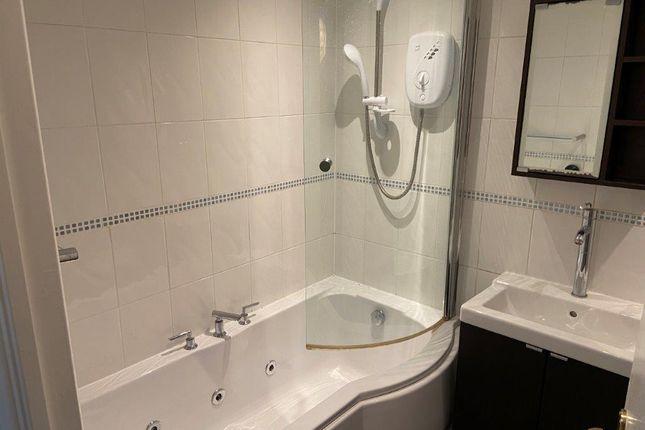 Family Bathroom of Castleshaw Drive, Littleover DE23