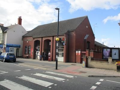 Thumbnail Retail premises to let in Former Post Office, West Street, Bourne, Lincolnshire