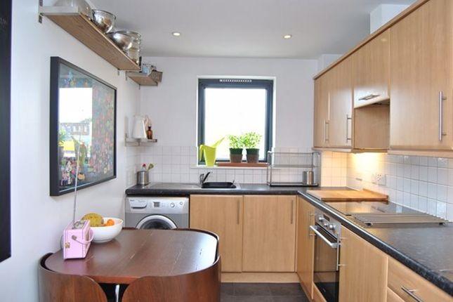 Thumbnail Flat to rent in Hinton Road, London