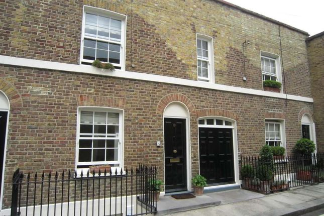 3 bedroom detached house to rent in Skinner Place, Belgravia