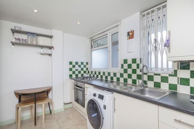 2 bed flat for sale in Hermitage Road, London