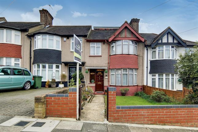Thumbnail Property for sale in Moordown, Shooters Hill, London
