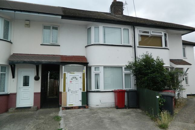 Thumbnail Terraced house to rent in Lewins Way, Cippenham, Berkshire