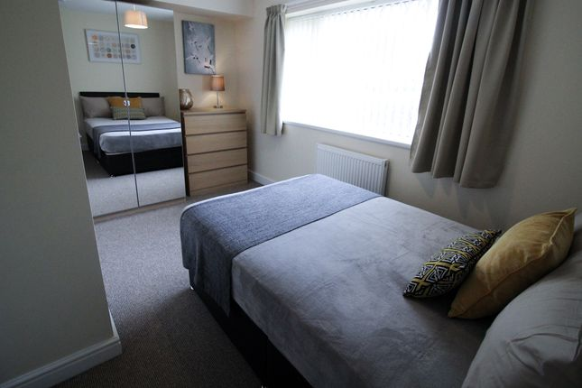 Thumbnail Shared accommodation to rent in Alexandra, Thorne