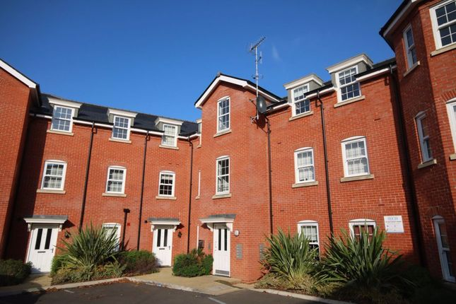Flat to rent in George Roche Road, Canterbury