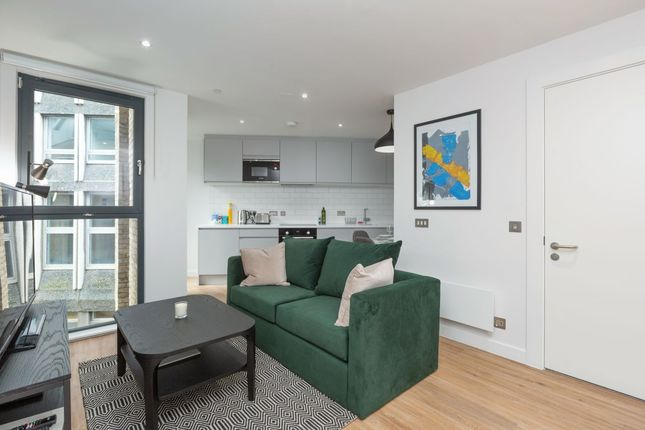 Thumbnail Flat to rent in King's Stables Road, Edinburgh