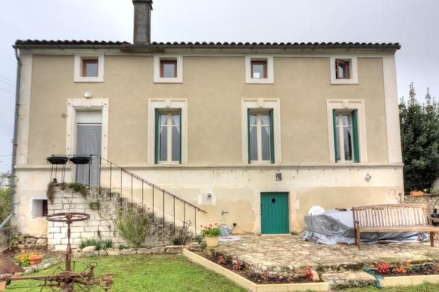 Property for sale in Nanclars, Poitou-Charentes, France