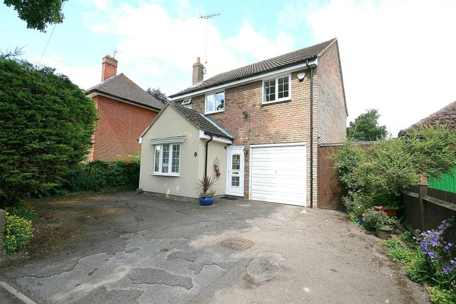 Thumbnail Detached house for sale in Friars Walk, Dunstable, Beds.