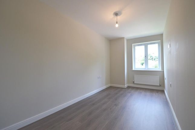Thumbnail Flat to rent in Frays Court, Swan Road, West Drayton, Middlesex