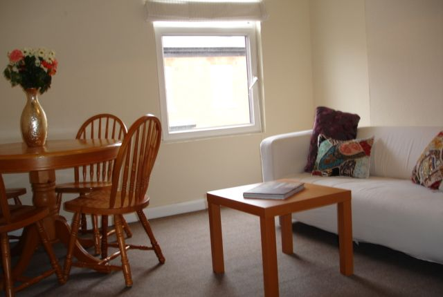 Flat to rent in Greenfield Road, Harborne, Birmingham