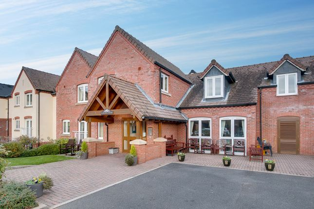 Thumbnail Flat for sale in New Road, Studley