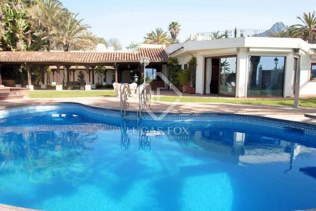 Thumbnail Villa for sale in Spain, Costa Del Sol, Marbella, Golden Mile / Marbella Centre, Lfcds517