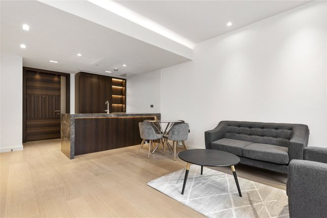 Flat to rent in Portugal Street, London