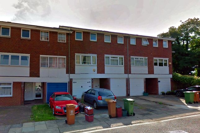 Thumbnail Terraced house to rent in Greenwood Close, Sidcup