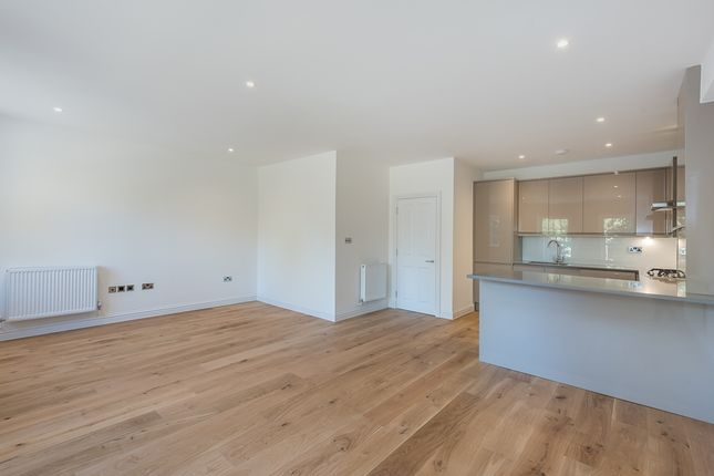 Thumbnail Flat to rent in Station Approach, Great Missenden
