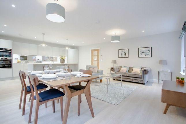 Thumbnail Flat for sale in Box Lane, Boxmoor, Hemel Hempstead