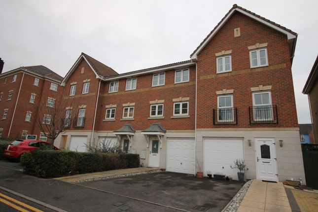 Thumbnail Town house to rent in Crispin Way, Hilligdon