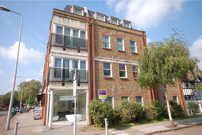 Thumbnail Flat to rent in Winchester Court, Castlegate, Richmond, Surrey
