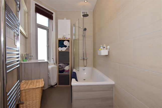 En-Suite of Newbury Road, London E4