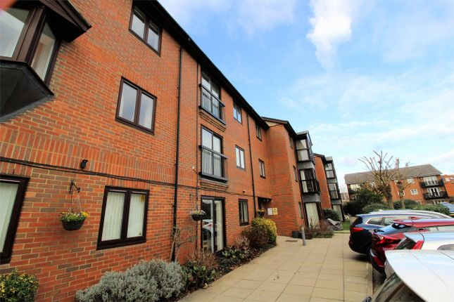 Thumbnail Property for sale in Regal Court, Bancroft, Hitchin