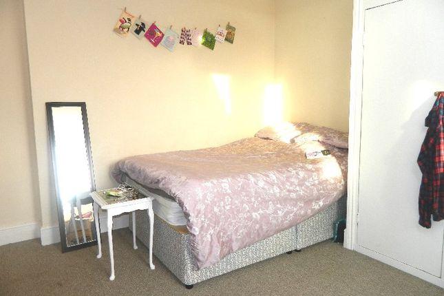 Thumbnail Room to rent in Simonside Terrace, Heaton